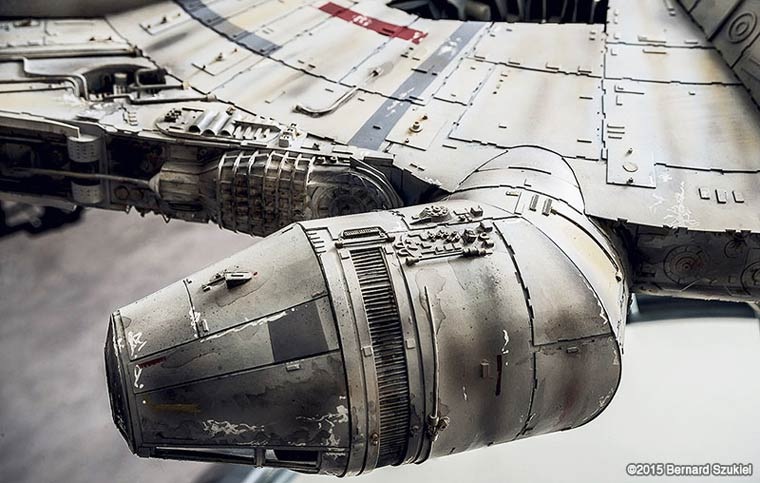 Millennium-Falcon-paper-model-1
