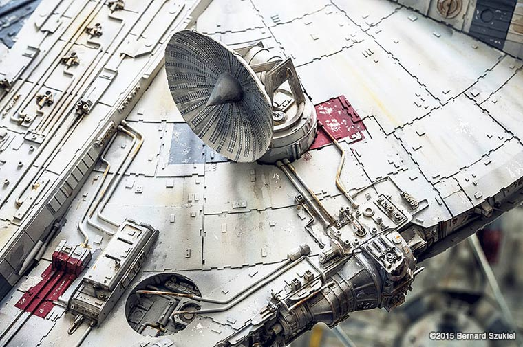 Millennium-Falcon-paper-model-3